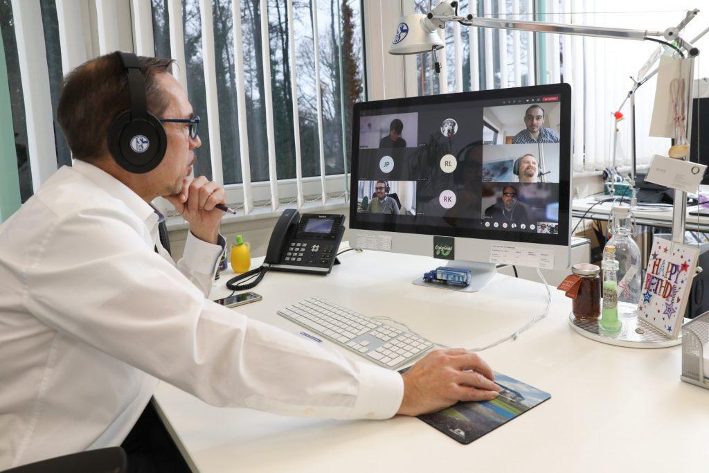 Führen in Teilzeit, Mitarbeiter in der Videokonferenz